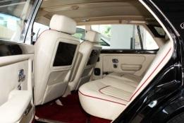 Bentley Black Interior (2)